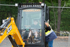 ZACHODNI - Berlin, NJ - MAJ 28: Diggerland usa, budowy przygody o temacie park Obraz Royalty Free