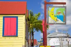Zachodni Indies, Karaiby, Antigua, St Johns, Colourful znak Na Redcliffe statku wycieczkowym & ulicie Obraz Stock