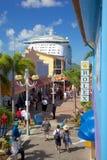Zachodni Indies, Karaiby, Antigua, St Johns, dziedzictwo Quay & statek wycieczkowy w porcie, Fotografia Royalty Free