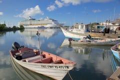 Zachodni Indies, Karaiby, Antigua, St Johns, statek wycieczkowy w St Johns schronieniu Fotografia Stock