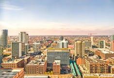 Zachodni pętla pejzaż miejski w kierunku zachodu w Chicago, usa zdjęcie royalty free