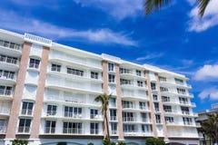 ZACHODNI palm beach, Floryda -7 2018 Maj: Mieszkania przy palm beach, Floryda, Stany Zjednoczone zdjęcia royalty free
