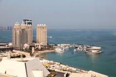 Zachodni Podpalani nabrzeże budynki w Doha, Katar Obraz Stock