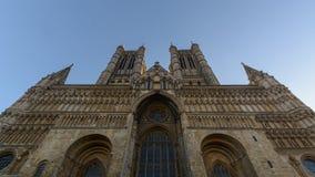 Zachodnia fasada Lincoln Katedralny niski kąt Zdjęcie Royalty Free