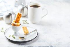Zacht gekookt ei voor ontbijt royalty-vrije stock foto