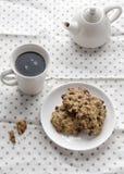 Zacht koekje met hete koffie bij ochtend, Stock Afbeelding