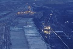 Zacht steenkool open - gegoten mijnbouw Hambach (Duitsland) - Roterend graafwerktuig royalty-vrije stock afbeeldingen