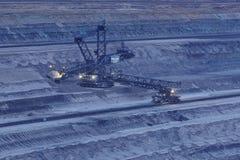 Zacht steenkool open - gegoten mijnbouw Hambach (Duitsland) - Roterend graafwerktuig stock foto