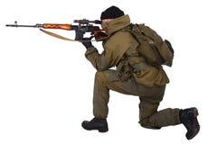 Zaciężny snajper z SVD snajperskim karabinem Zdjęcia Stock