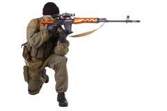 Zaciężny snajper z SVD snajperskim karabinem Obrazy Royalty Free