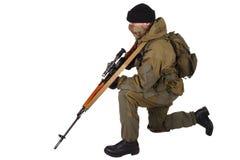 Zaciężny snajper z SVD snajperskim karabinem Fotografia Stock