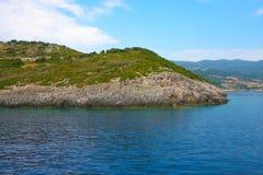 Zacinto, Grecia - caverne blu incredibili su una linea costiera Fotografie Stock