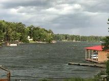 Zaciszność Przed burzą na jeziorze obrazy royalty free