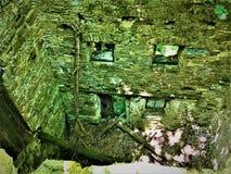 Zaczarowany miejsce, promienieje, światła, ściana i ruiny, obraz stock