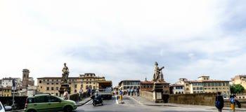 Zaczynać most nad rzecznym Arno dzwonił ` Santa Trinita ` Obrazy Royalty Free