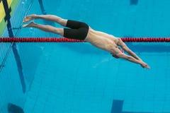 Zaczyna atlety z stołami pływaczka Obrazy Royalty Free