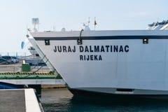 Zadar, Croatie - 20 juillet 2016 : Ferry-boat de Jadrolinija dans le port de Gazenica Photo stock