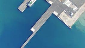 ZADAR, KROATIË - JULI 20, 2016: Luchtmening van Jadrolinija-veerboten in Zadar, Kroatië stock videobeelden