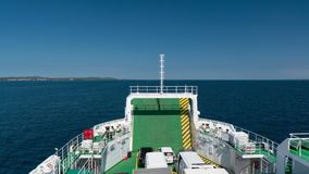 ZADAR, KROATIË - JULI 20, 2016: op de veerboot - de manier van Zadar aan Brbinj stock footage