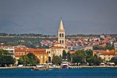 Zadar strandsikt från havet Arkivfoto