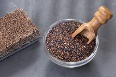 Zaden en graangewassenbar van zwarte quinoa Stock Afbeelding