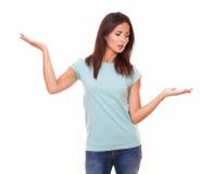 Zadumana kobieta trzyma jej palmy up Zdjęcia Stock