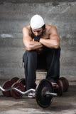 Zadumany bodybuilder Zdjęcia Stock