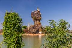 Zadziwiać Kyauk Ka Lat pagodę blisko Hpa-An, Myanmar zdjęcie stock