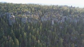 Zadziwiająca rockowa formacja na Szczeliniec Wielki w Stołowym góra parku narodowym Atrakcja turystyczna Polski Sudetes zbiory wideo