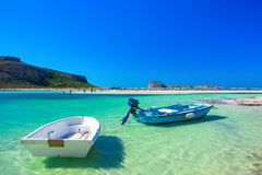 Zadziwiająca panorama Balos laguna z magicznym turkusem nawadnia, laguny, tropikalne plaże czysty biały piasek i Gramvousa wyspa fotografia stock