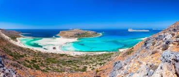 Zadziwiająca panorama Balos laguna z magicznym turkusem nawadnia, laguny, tropikalne plaże czysty biały piasek i Gramvousa wyspa obraz royalty free