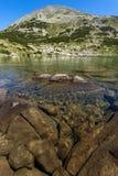 Zadziwiająca panorama Dalgoto Długi jezioro, Pirin góra Zdjęcie Royalty Free