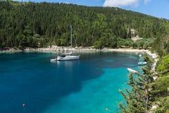 Zadziwiająca panorama Fok Fiskardo plaża, Kefalonia, Grecja Fotografia Stock
