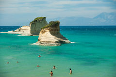 Zadziwiająca zieleni plaża Grecja Corfu Fotografia Stock