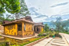 Zadziwiający dom glina przy Dalat gwiazdą Obraz Stock
