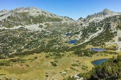 Zadziwiający krajobraz z Prevalski jeziorami i Dzhangal osiągamy szczyt, Pirin góra Obraz Royalty Free