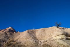 Zadziwiający krajobrazy z skałami i skały w Cappadocia, Turcja, kocha i odwiedza turystami od światu po całym Obraz Royalty Free