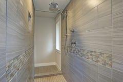 Zadziwiający rówieśnika mistrza łazienki wnętrze obrazy stock