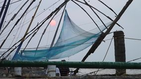 Zadziwiający Romantyczny zmierzch przy Kochi plażą, India zdjęcie wideo