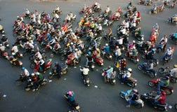 Zadziwiający ruch drogowy Azja miasto w godzinie szczytu Obrazy Royalty Free