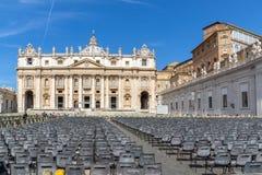Zadziwiający widok świętego Peter ` s St Peter i kwadrata ` s bazylika w Rzym, Włochy Fotografia Stock