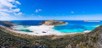 Zadziwiający widok Balos laguna z magicznym turkusem nawadnia, laguny, tropikalne plaże czysty biały piasek i Gramvousa wyspa obrazy royalty free