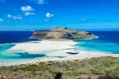 Zadziwiający widok Balos laguna z magicznym turkusem nawadnia, laguny, tropikalne plaże czysty biały piasek i Gramvousa wyspa fotografia stock