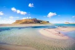 Zadziwiający widok Balos laguna z magicznym turkusem nawadnia, laguny, tropikalne plaże czysty biały piasek i Gramvousa wyspa obraz royalty free
