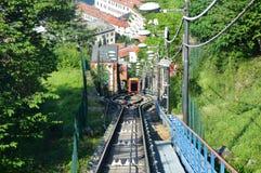 Zadziwiający widok funicular kolej na Jeziornym Como wspina się Brunate, Como, Włochy Obrazy Royalty Free
