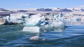 Zadziwiający widok glacjalny jeziorny Jokulsarlon w Iceland zbiory wideo
