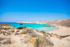 Zadziwiający widok Koufonisi wyspa z magicznym turkusem nawadnia, laguny, tropikalne plaże czysty biały piasek zdjęcie stock