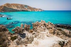 Zadziwiający widok Koufonisi wyspa z magicznym turkusem nawadnia, laguny, tropikalne plaże czysty biały piasek obraz royalty free