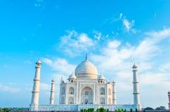 Zadziwiający widok na Taj Mahal w zmierzchu świetle agra indu Fotografia Royalty Free
