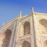 Zadziwiający widok na Taj Mahal w zmierzchu świetle z odbiciem wewnątrz Zdjęcia Royalty Free